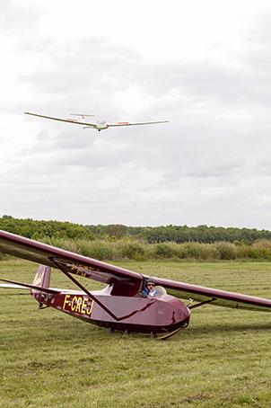 Le Castel 3010 de 1946 : Appareil hybride fuselage de Castel C-301S Ailette et ailes de Castel C-310P